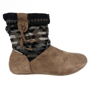 NWOB Bearpaw Amber Suede Boots size 8